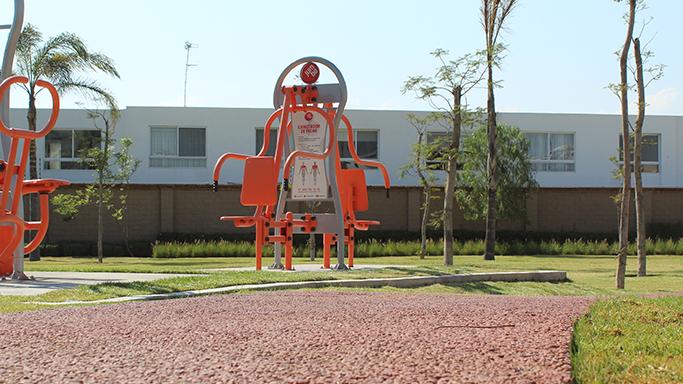 gimnasios-exteriores-instalados-en-residencial